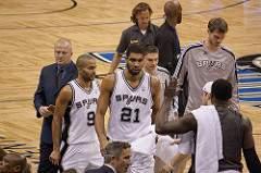 Tim Duncan in Spurs-Magic game